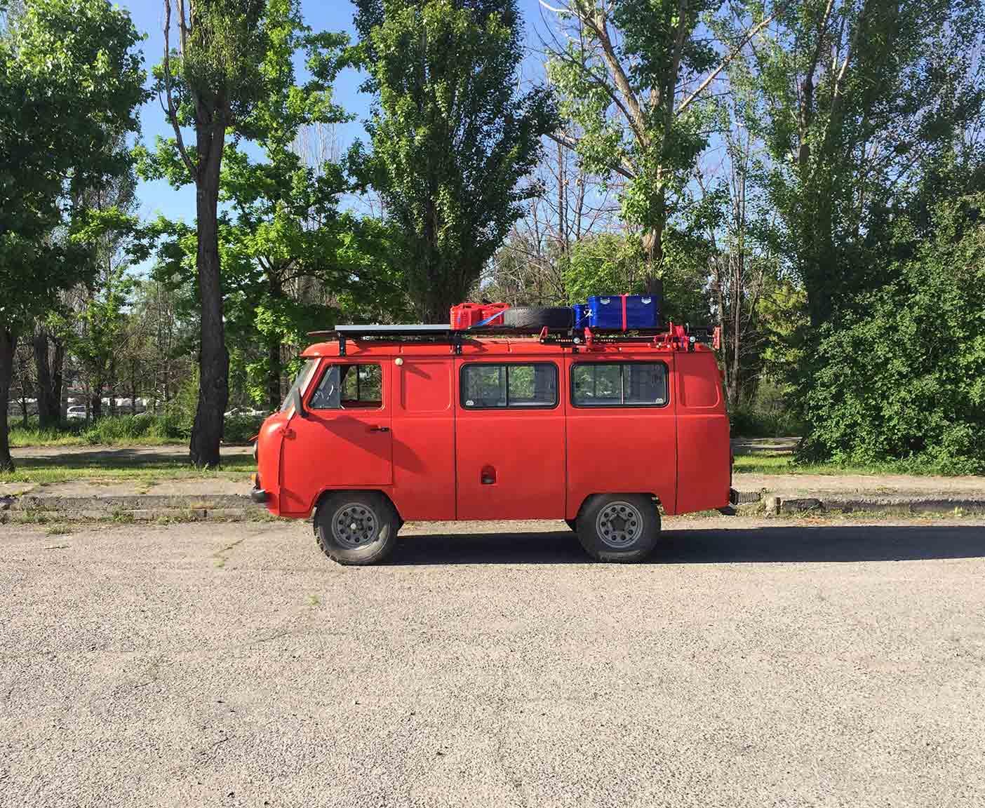 UAZ-buchanka-452-hunter-patriot-deutschland-bus-bulli-russland