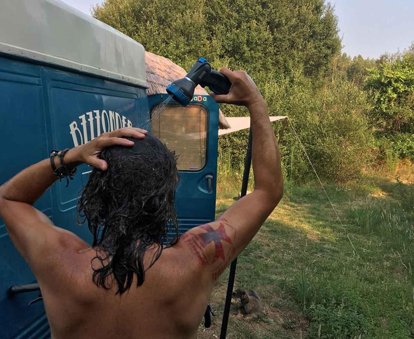 Peugeot-J7-camper-zu-verkaufen-shower-bus