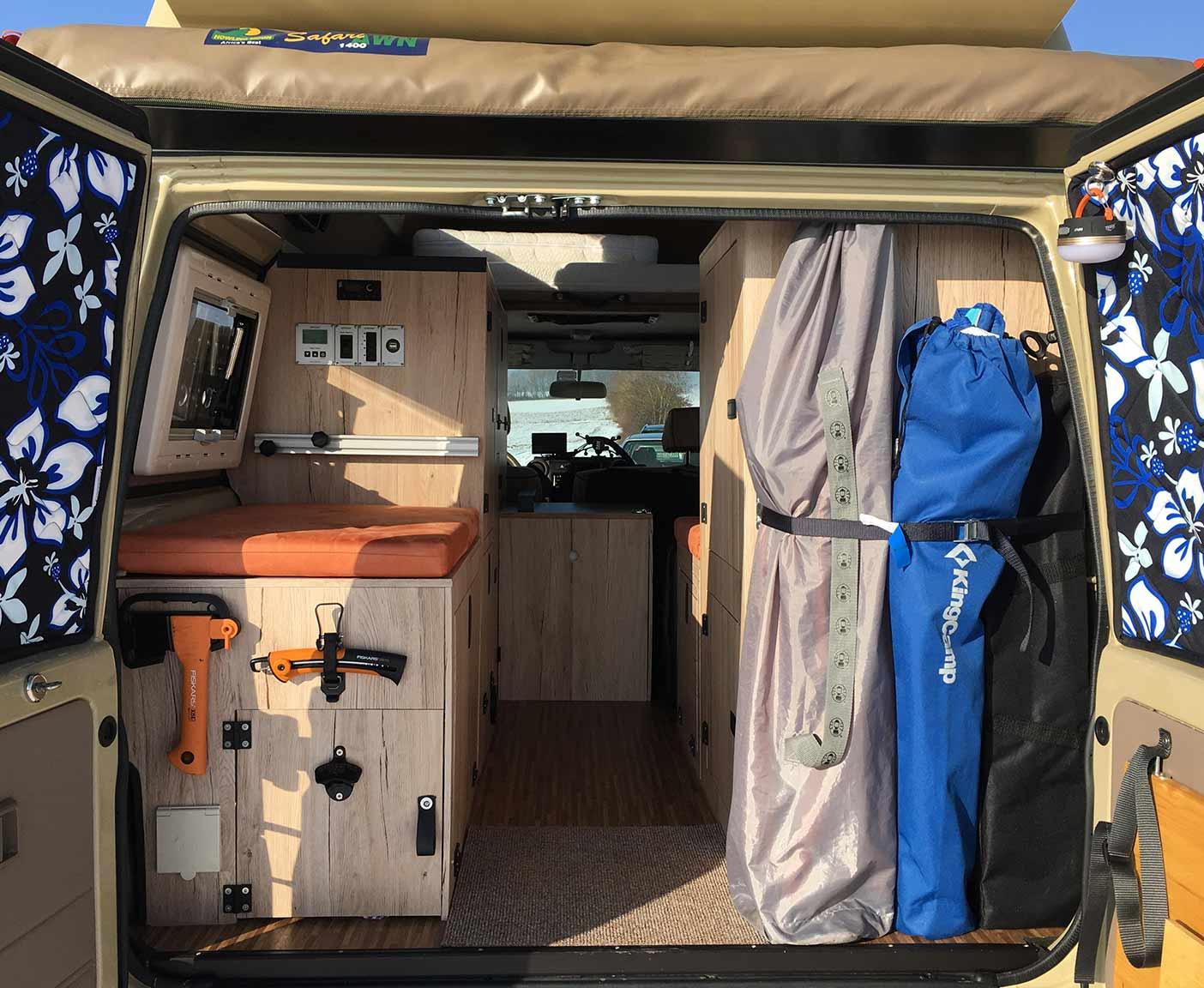 Toyota--Landcruiser-HZJ78-kaufen-camper-innenausbau