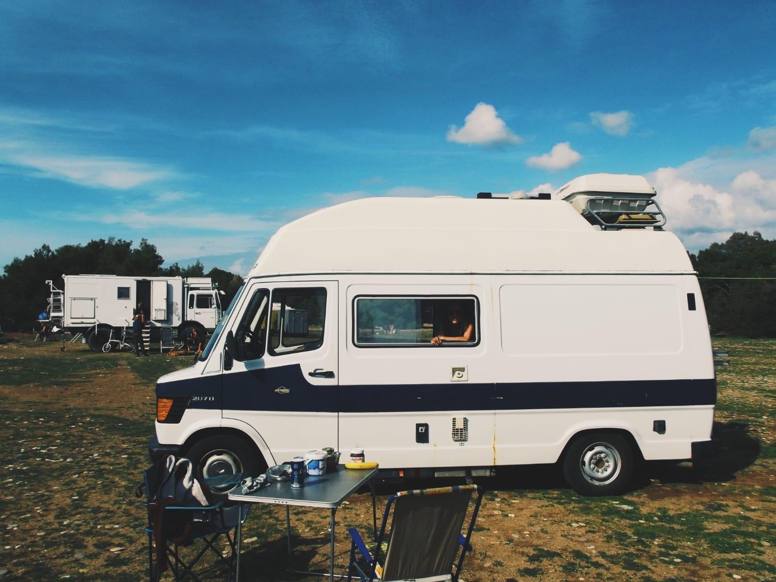 mercedes-207-d-westfalia-james-cook-voyage-roadtrip-europe-vanlife-van-amenage-oldschool-camping-car