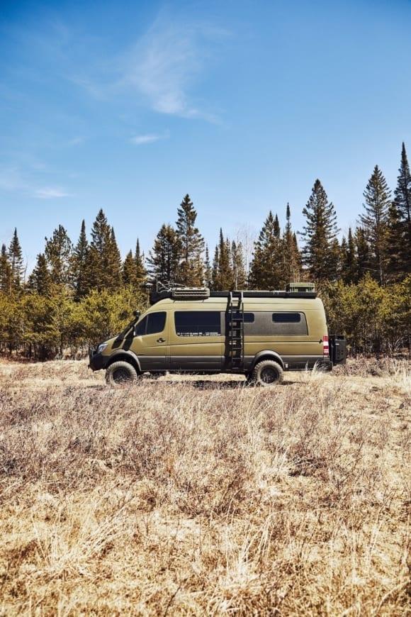 Mercedes-Benz-Sprinter-4x4-Overland-vanlife-campervan-van-converison-3