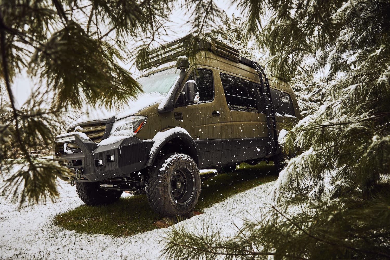 Mercedes-Benz-Sprinter-4x4-Overland-vanlife-campervan-van-converion-7