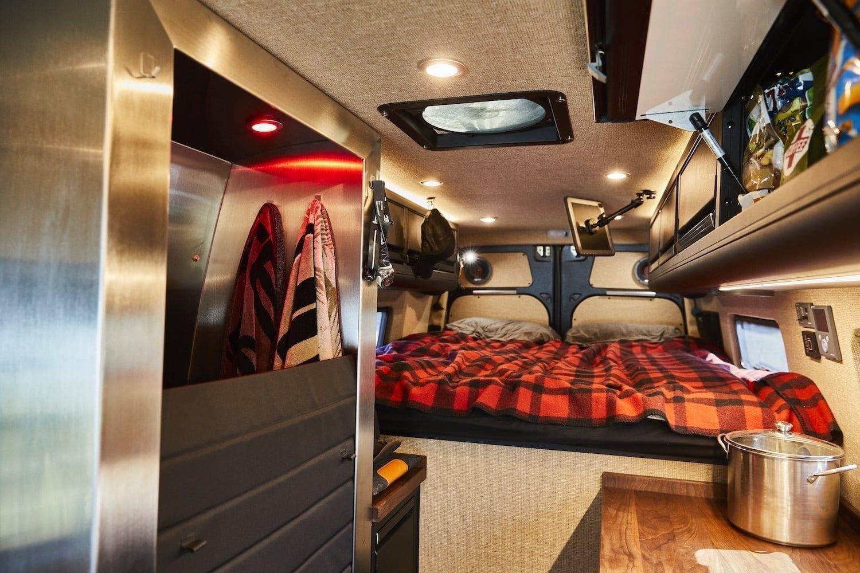 Mercedes-Benz-Sprinter-4x4-Overland-vanlife-campervan-van-converion-interior-2