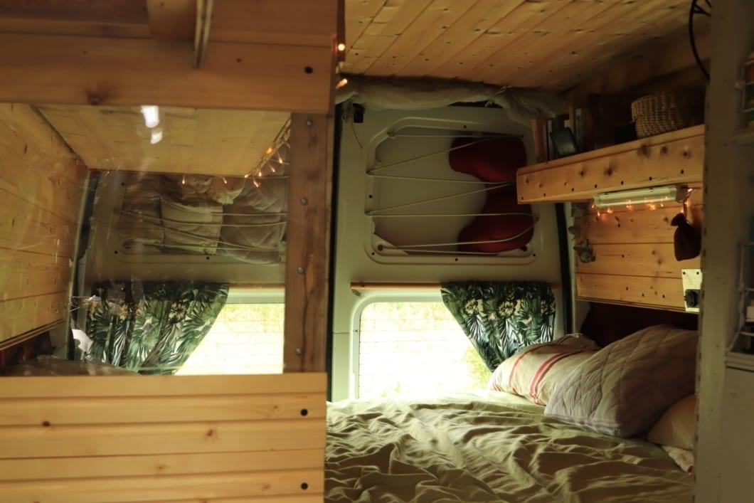 interior-ford-transit-2007-wohnmobil-van-life-expedition