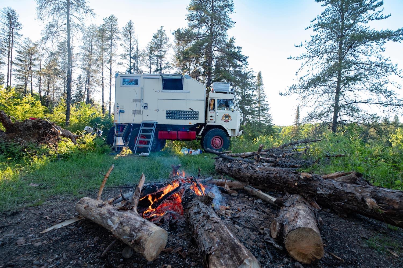 Iveco B80C80 wohnmobil expeditionsmobil reisen abenteuer reise-min
