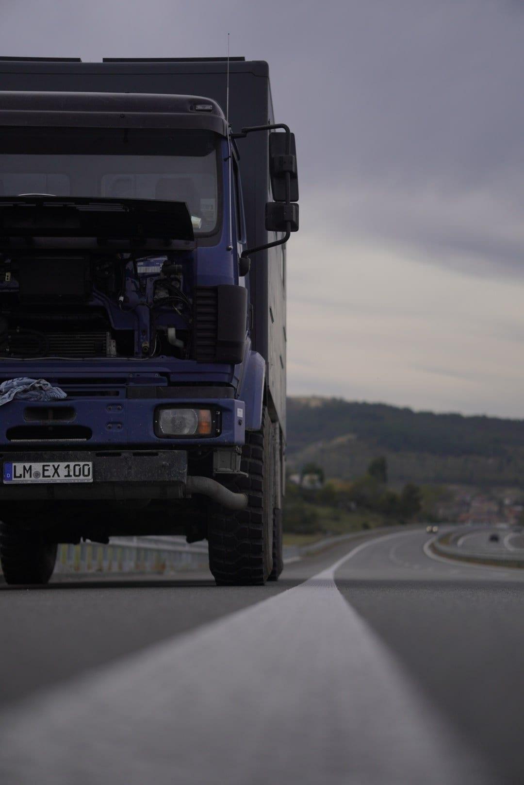 mercedes-benz-digitale-nomaden-expeditionsmobil-kaufen-camper-allrad-4