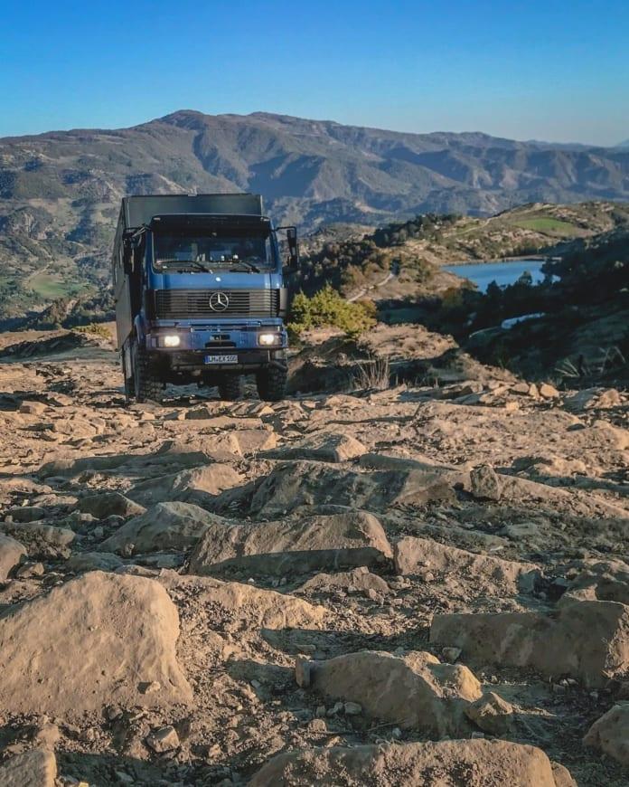 mercedes-benz-1824-ak-digitale-nomaden-expeditionsmobil-kaufen-camper-allrad-5