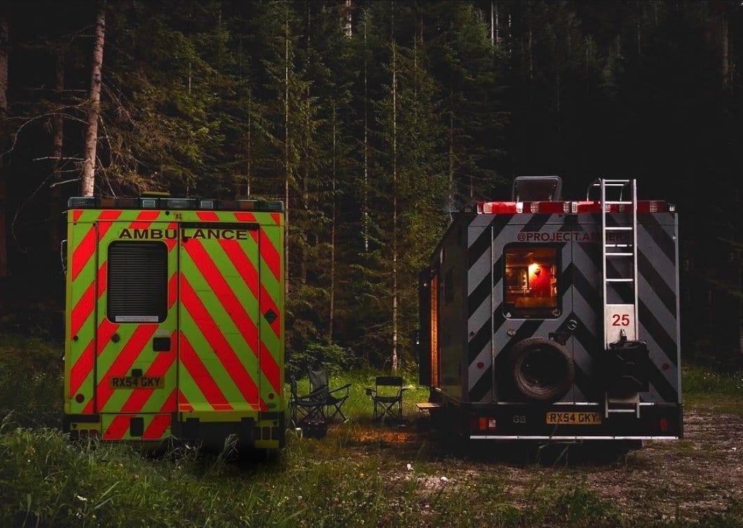 Ambulanz- Aufbau-vanlife-van-conversion-kaufen-two-worlds-apart-min
