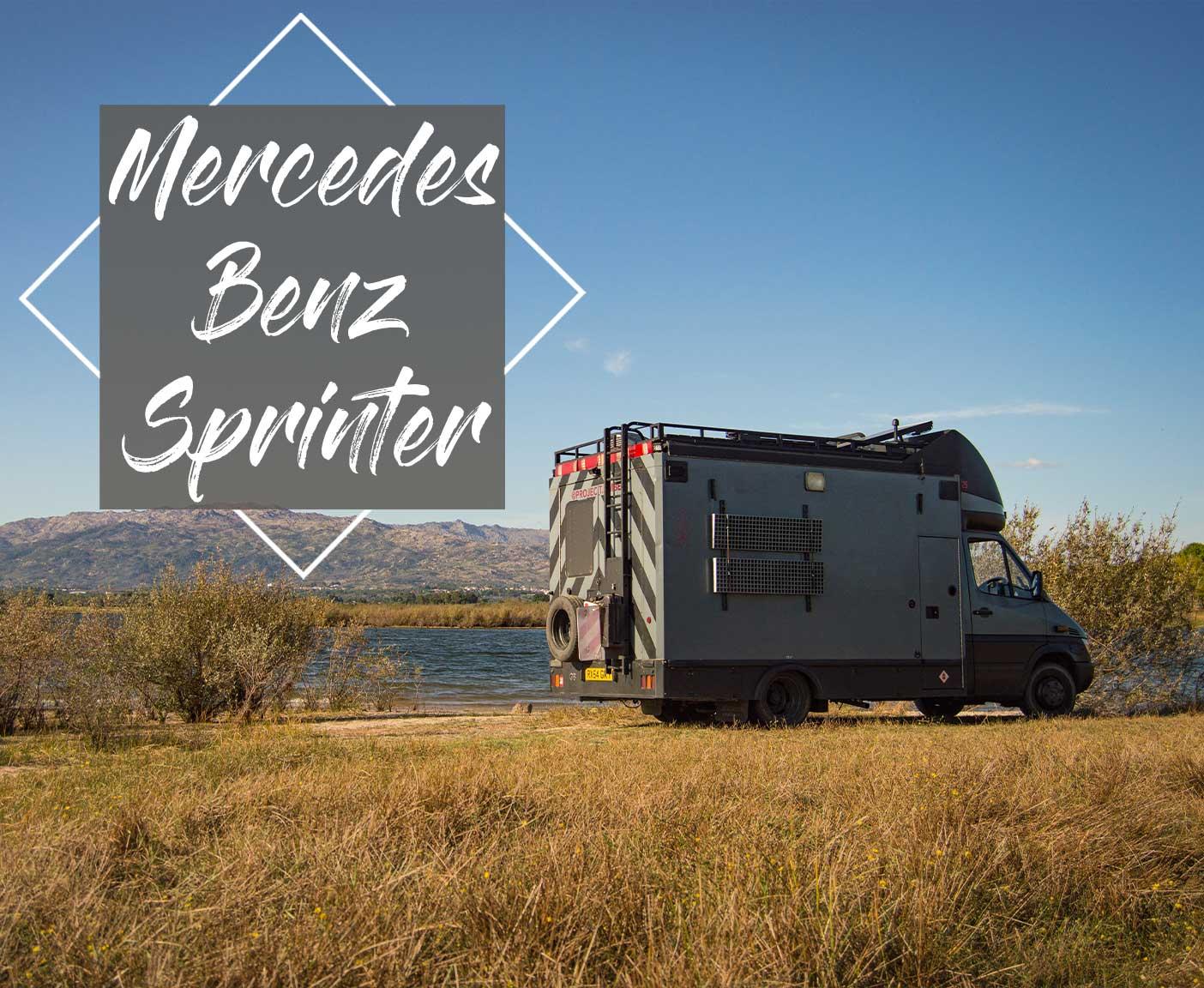 Mercedes-Benz-Sprinter-Vollzeit-im-ausgebauten-Ambulanzfahrzeug