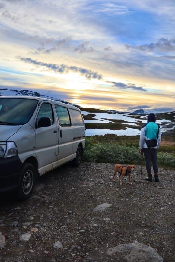 Toyota-Hiace-4x4-kaufen-ausbau-vanlife-vanconversion-camper-minicamper-3