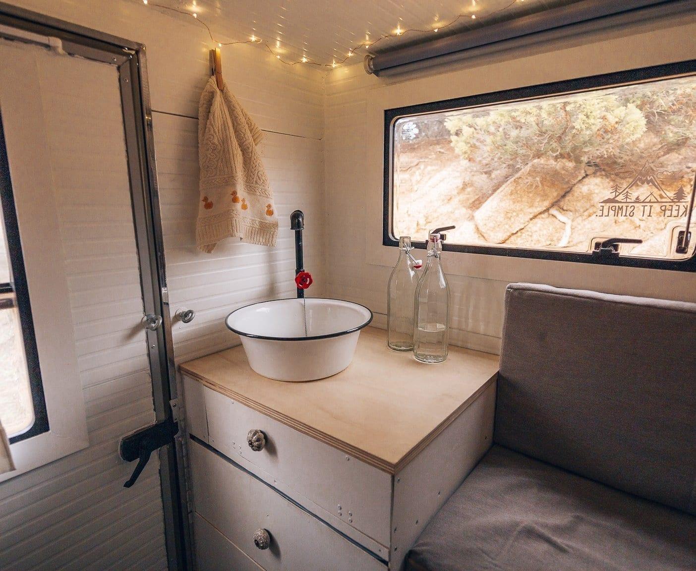 interior-camper-pickup-vanlife-kaufen-ausbau